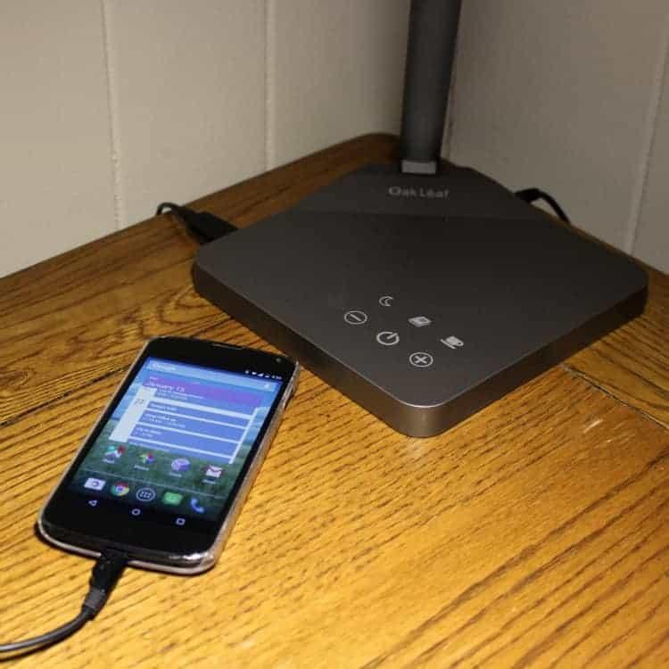 OakLeaf-charging-phone