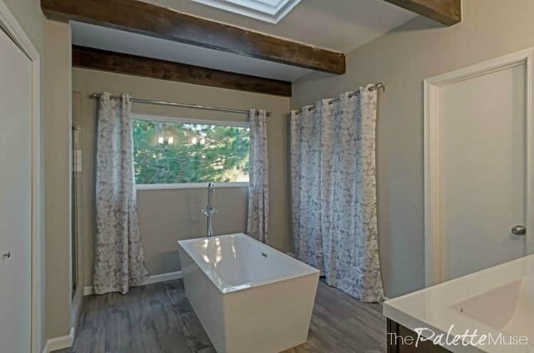 flip-house-bath