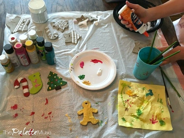 Decorating concrete ornaments