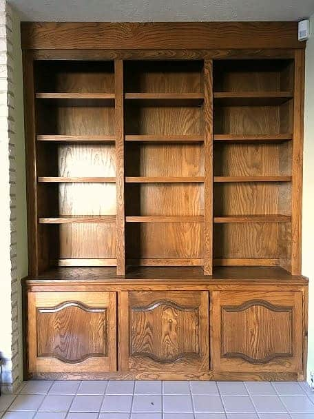 Built-in Bookshelves Before