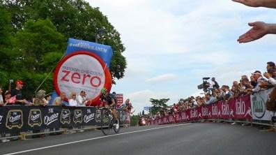 Racing by - Giro d'Ialia 2013   ©Tom Palladio Images