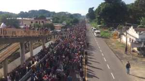 WARNING! Migrant caravan reaches over 7,200 people, Mexico PD unable to stop them