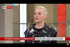 Rose McGowan apologizes to Iran over bombings