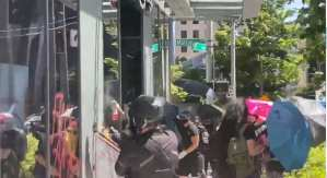 WATCH: Rioters Loot Amazon Store In Seattle