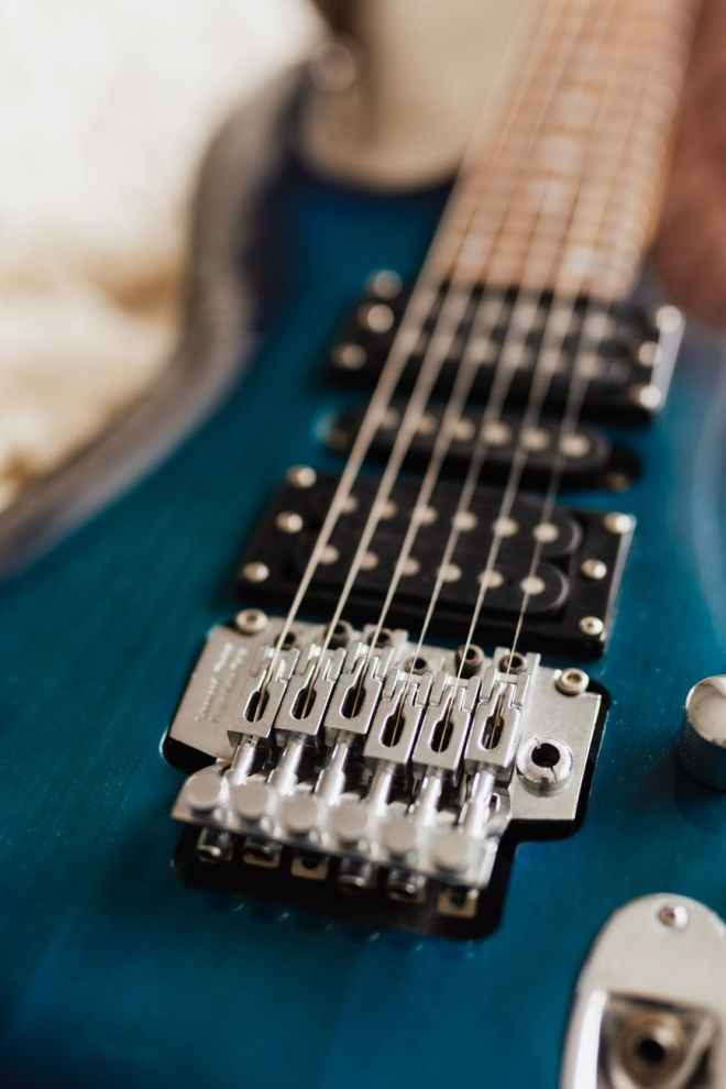 close up photo of electric guitar strings
