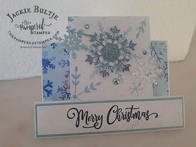 Centre-Step card with snowflake splendor