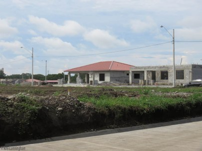 On the way to Aguacatal there is a huge residential neighborhood under construction.