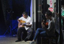 José Cáceres and another guitarist provide the music