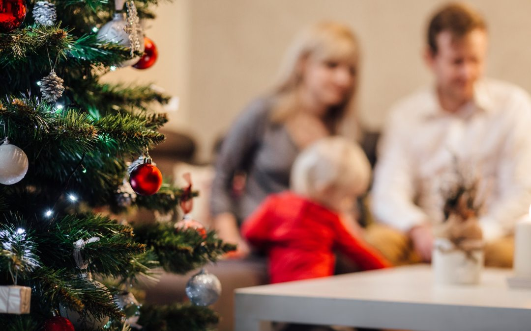 Have an Honest Conversation about Your Holiday Budget (Here's How)