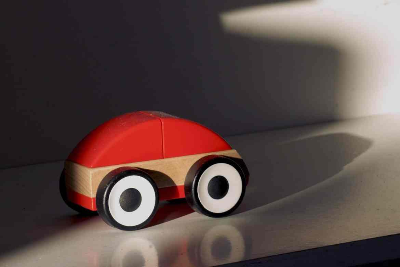 wooden-car-357307_1920