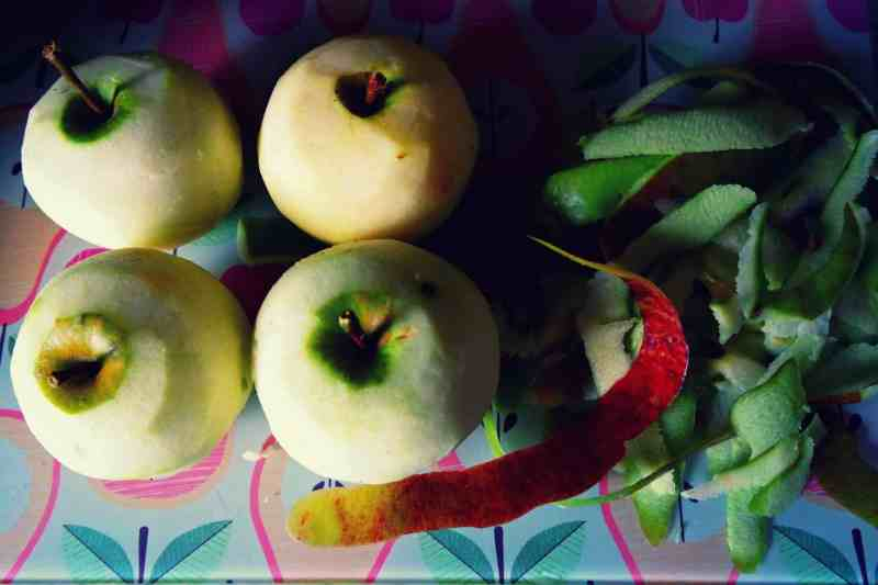 4 apples whole and peeled