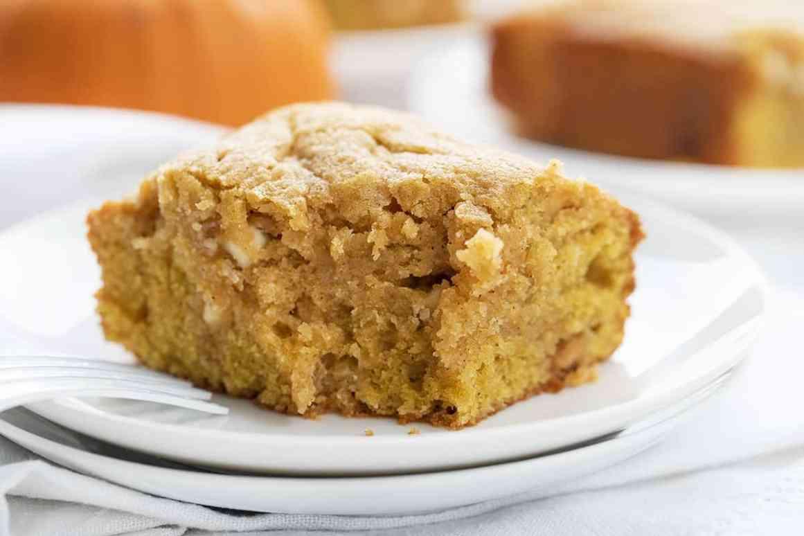 Pumpkin Spice Snack Cake