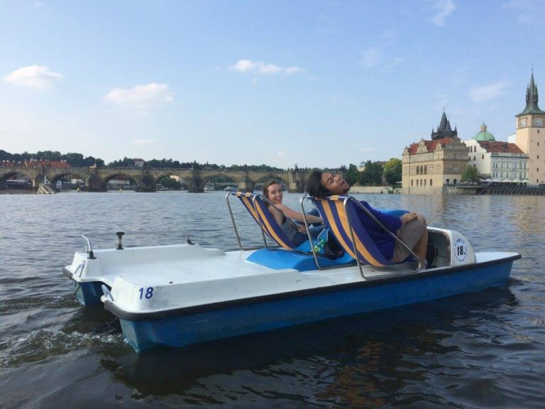 Prague paddleboating