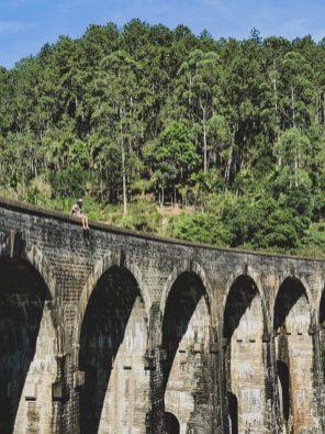 nine arches bridge ella sri lanka