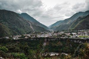 banos ecuador hiking