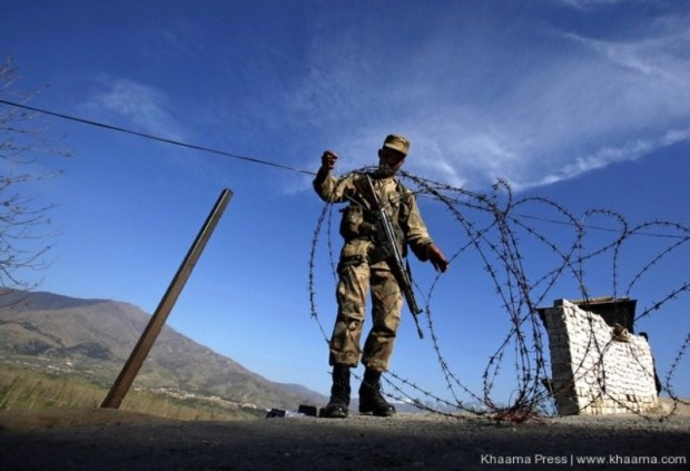 Pakistani-army-barbed-wire-installation
