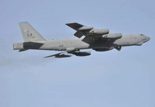 b-52-stratofortress_009-ts600
