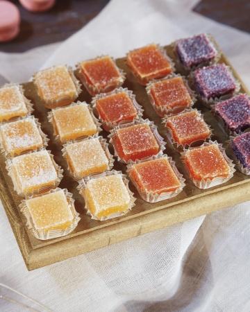 reynolds-lively-wd109335-dessert-detail-0227_vert