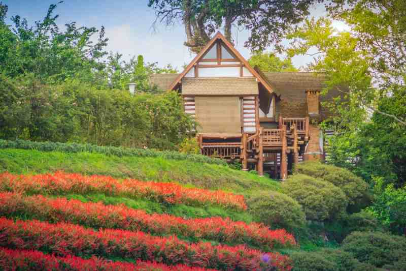 places to visit in thailand in April