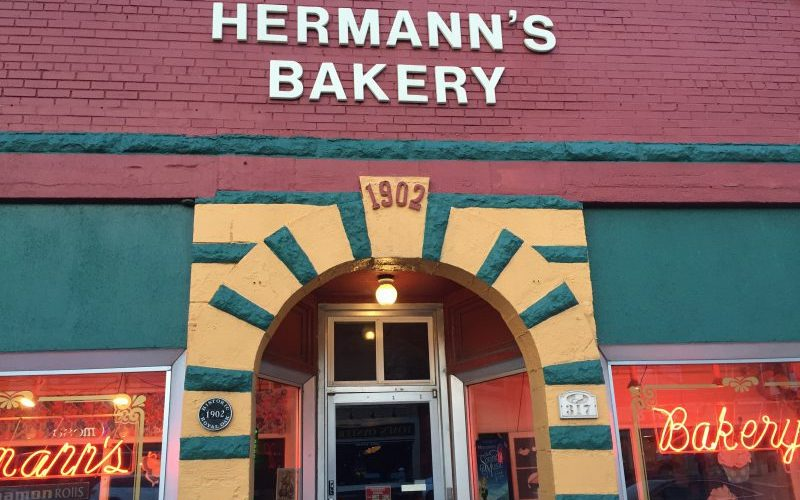 pasty guy, hermann's bakery, pasties, pasty review
