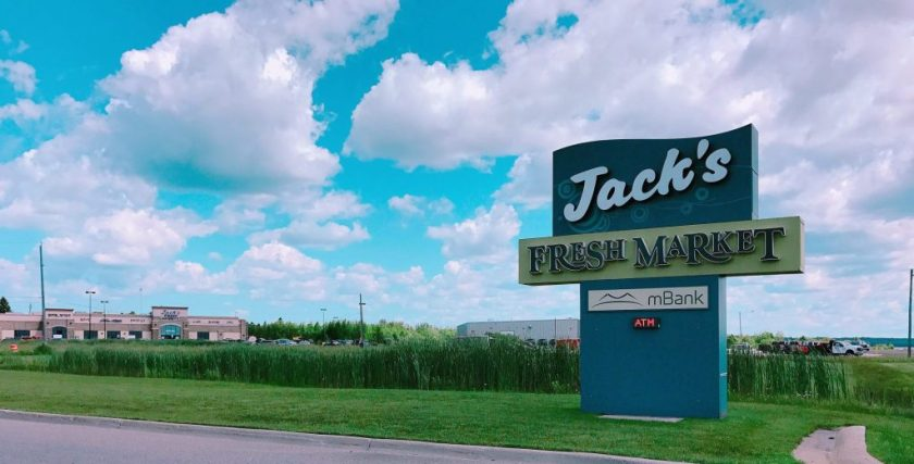 pasty, pasty review, pasties, pasty guy, jack's fresh market, manistique, upper peninsula