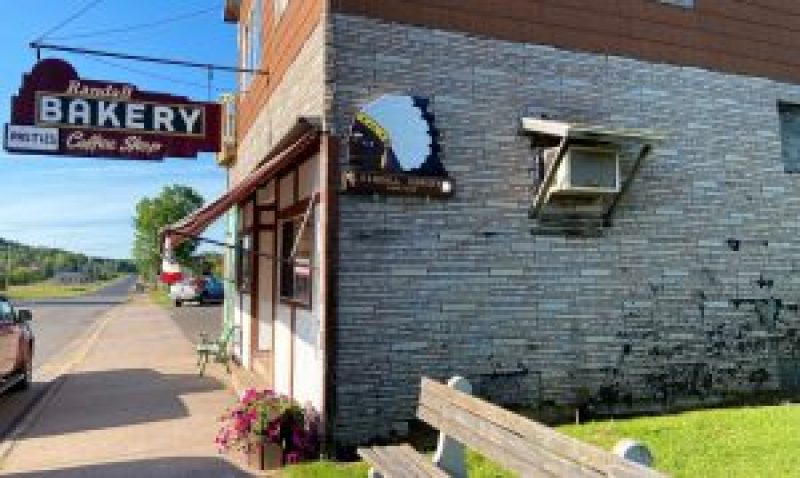 pasty, pasty review, pasties, pasty guy, randall bakery, wakefield, upper peninsula, pasty trail