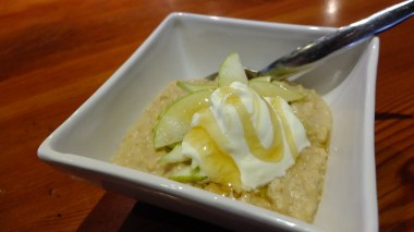 Oats with Pear and Honey