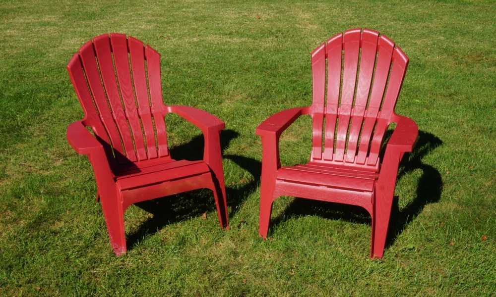 remove oxidation from plastic chairs