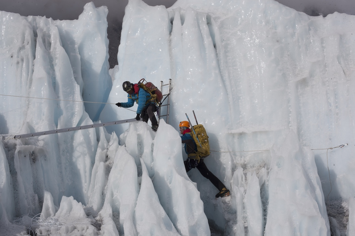 Sherpa_45_Sherpas-training-in-Khumbu-Icefall