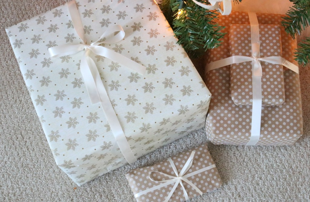 Neutral color wrapping paper