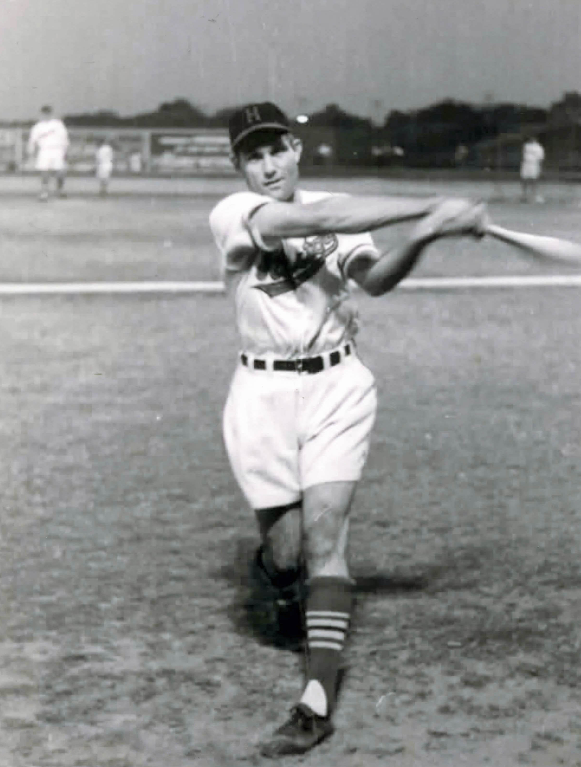 Jerry Witte in Shorts