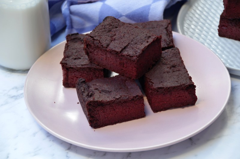 Beetroot Brownies (Paleo, Low Carb, Vegan)