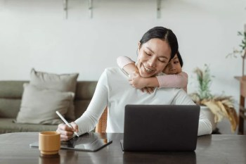 203 best mom blog post ideas for mom bloggers to write about