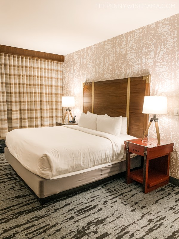 Deluxe Family King Suite at Gaylord Rockies Resort