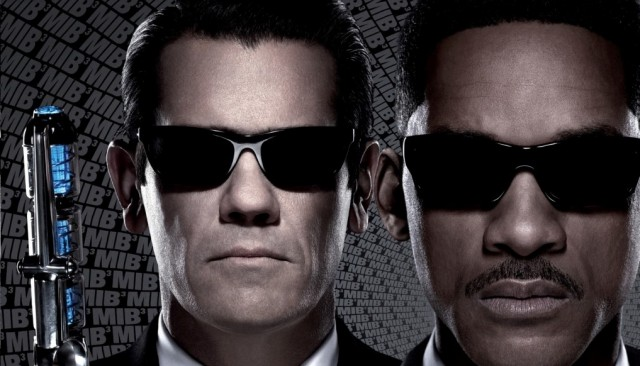 """""""Ok Shiznit's Will Smith Is Too old For This """"- Watch The New MEN IN BLACK III Trailer"""
