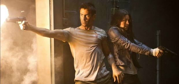 3 Hands Are Better Than 2?!New UK TOTAL RECALL Trailer Is Action Packed