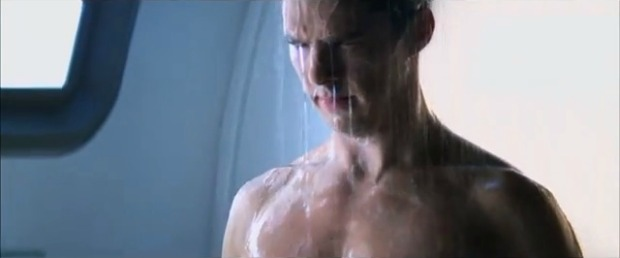 Cumberbatch Takes Shower In Deleted Star Trek Into Darkness Scene