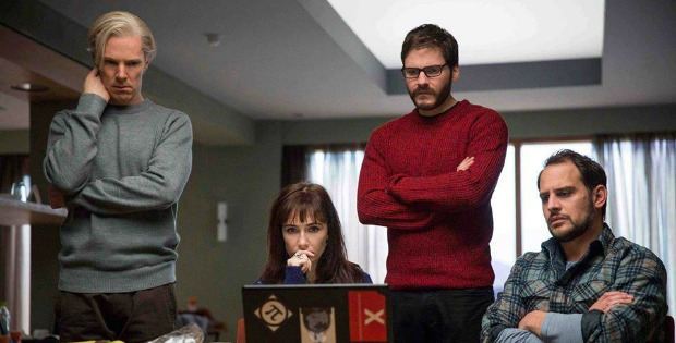 Watch The Dramatic The Fifth Estate Trailer Starring Benedict Cumberbatch