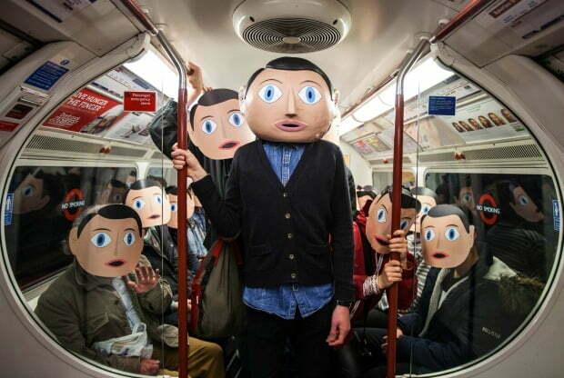 Frank_Frank blending in on the Bakerloo Line