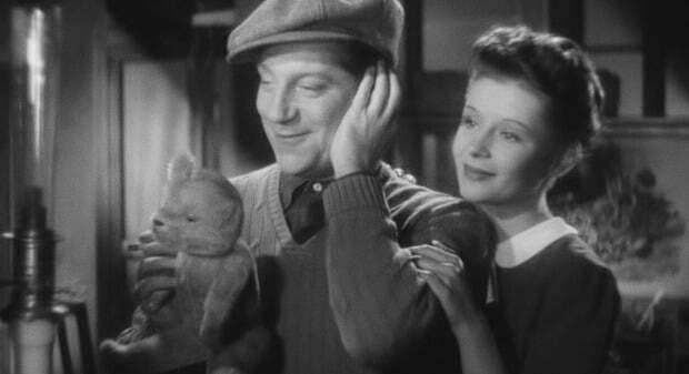 Film Review – – Le Jour se lève (1939)