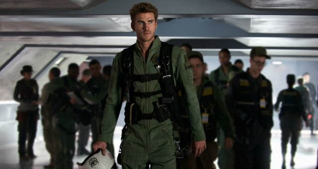 Watch A New  Intense Independence Day: Resurgence Clip