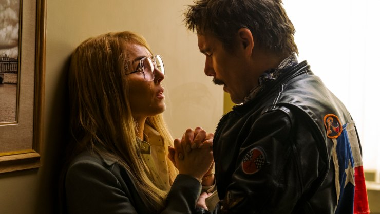 Ethan Hawke 'Loves' Noomi Rapace In The Captor UK Trailer