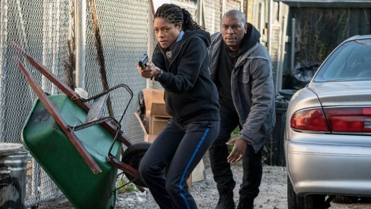 Naomie Harris On The Run In Black And Blue UK Trailer