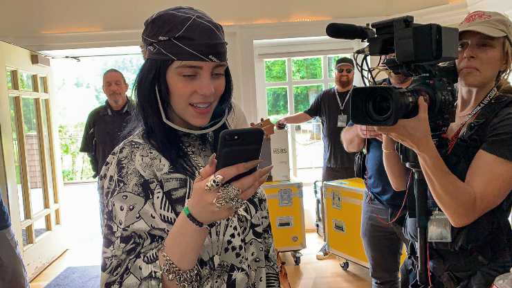 Dive Into The Mind Of A Teen Popstar In Billie Eilish: The World's A Little Blurry Trailer