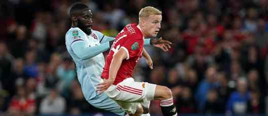Donny van de Beek: Manchester United fans demand more after West Ham defeat  - Man United News And Transfer News | The Peoples Person