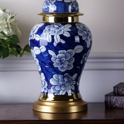 Medium Ceramic Conventional Blue and White Flower Copper Desk Lamp For Home Ornaments