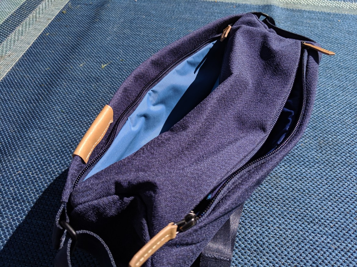 Bellroy Sling front compartment