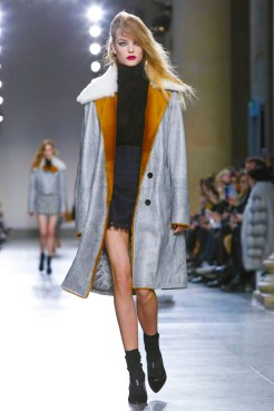 Topshop Unique Fashion Show, Ready To Wear Collection Fall Winter 2016 in London