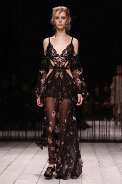 Alexander McQueen Design Fashion Show, Ready To Wear Collection Fall Winter 2016 in London