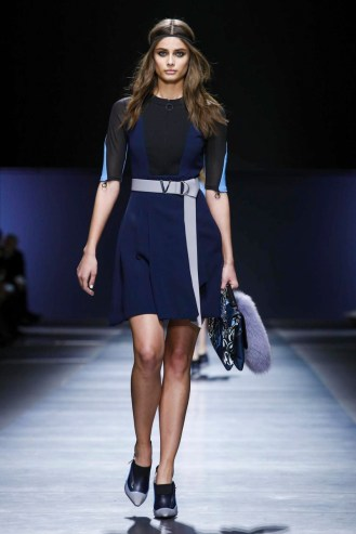 Versace Fashion Show, Ready To Wear Collection Fall Winter 2016 in Milan